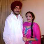 Roop Sidhu parents
