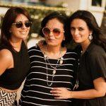 Roshni Chopra with mother Manju and sister Deeya