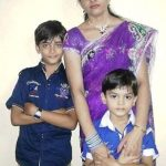 rudra-soni-with-his-mother-and-brother