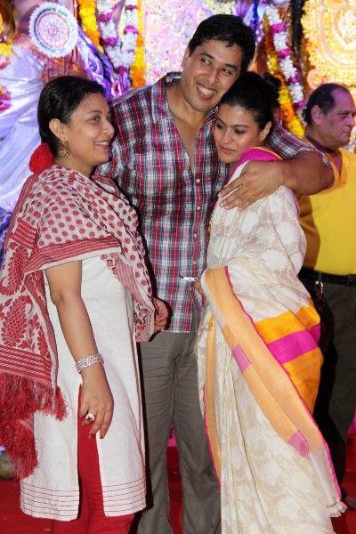 Samrat Mukherjee with his elder sister Sharbani and cousin elder sister Kajol