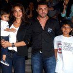 Seema Khan with her husband & children