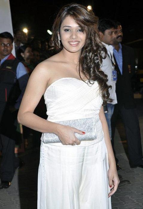 Shalmali Kholgade at an award show
