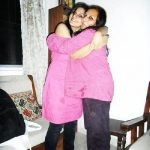 Singer Bhavya Pandit with her mother
