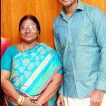 sivakarthikeyan-with-his-mother-raji-doss