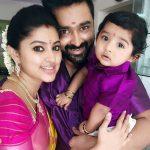 sneha-with-her-husband-prasanna-and-son-vihaan