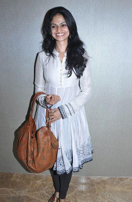 Suchitra Karthik Kumar singer
