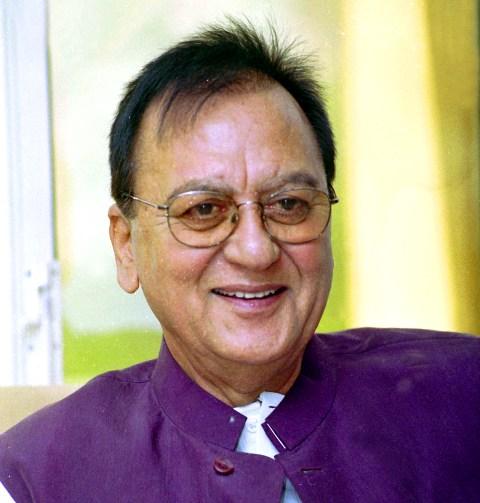 Biodata Sunil Dutt Agama Biografi, Istri Keluarga ...