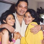 Tanishaa Mukerji with her father and sister