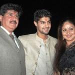 Tanuj Virwani with his parents