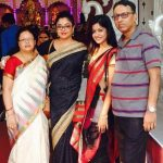 Tanushree Dutta with her parents and sister