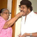 v-ravichandran-with-his-mother-pattammal