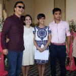 Vidhu Vinod Chopra with wife Anupama and kids