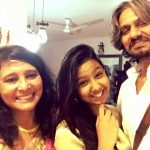 Vijay Raaz with his wife (left) and daughter (centre)