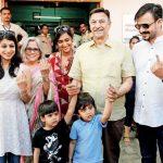 Vivek Oberoi with his family