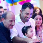 Wahab Riaz with his parents and daughter