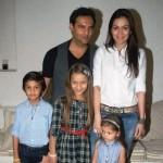 Waluscha De Sousa with her kids and Ex-husband