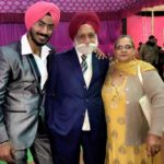 Anureet Singh With His Parents