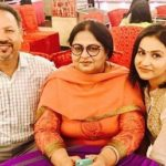 Aanchal Khurana with her parents