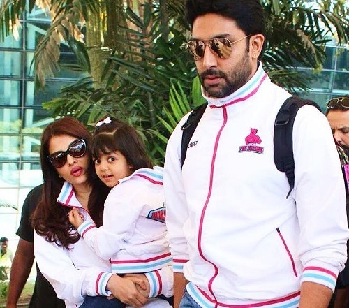 Aaradhya Bachchan with her parents