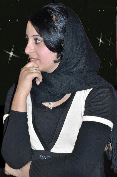 Afghan Singer Farzana Naz