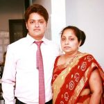 Amber Vashisht brother and mother