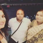 Anaya Soni with mother and brother Navin Soni