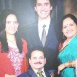 Anjum Moudgil With Her Keluarga