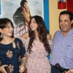 Arshin Mehta with her mother and father