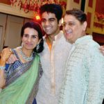 Chanda Kochhar With Her Son Arjun (Center) and Husband Deepak Kochhar