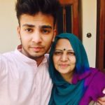 Elvish Yadav with his mother