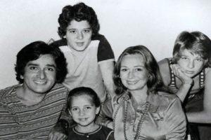 Jennifer Kendal With Her Husband Shashi Kapoor And Children