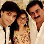 Kinshuk Vaidya with his parents