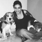 Purbi Joshi loves dogs