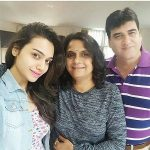 Purvi Mundada with parents
