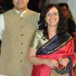 Rajit Kapur wife