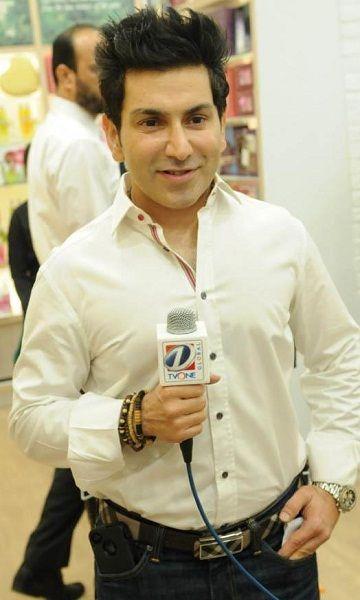 Singer Faakhir Mehmood