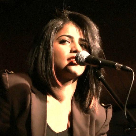 Singer Qurat-ul-Ain Balouch