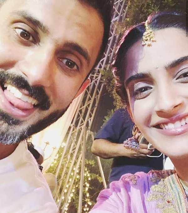 Sonam Kapoor and Anand Ahuja selfie
