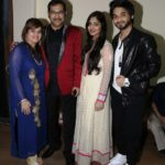 Sudesh Bhosle With His Istri, Daughter & Son
