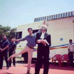 Vijay Varma photobombing Amitabh Bachchan
