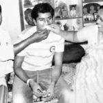 Vinay Kumar with his parents
