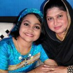 Yumna Ajin with her mother