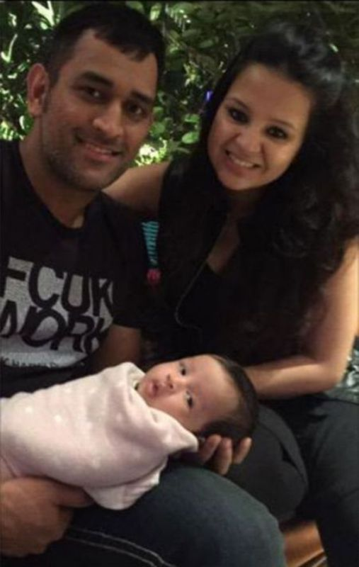 Ziva Dhoni With Her Parents