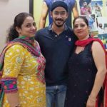 Anureet Singh With His Sisters
